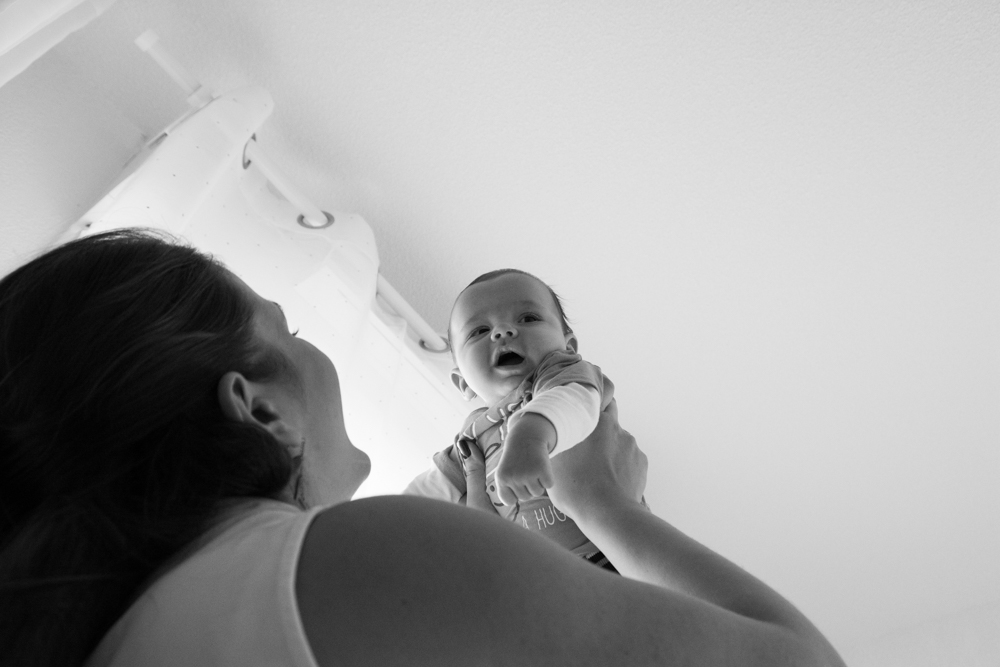 photographe, var, 83, studio, Famille, enfant, bébé, grossesse, future maman, naissance, maternité, posing,