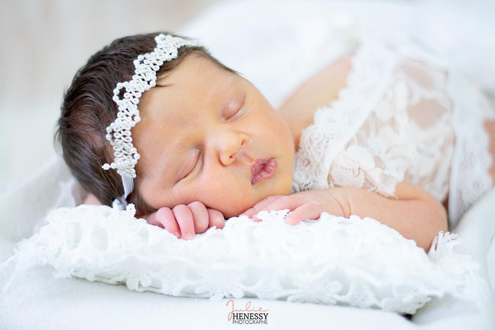 photographe, nourrisson, studio, shooting, photo, portrait, grossesse, future maman, grossesse, famille, bébé, la roquebrussanne, brignoles, toulon, la crau, nice,