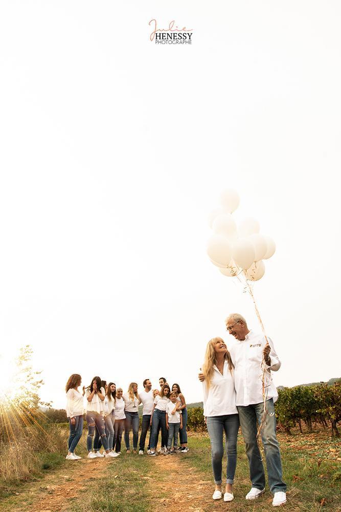 photographe, famille, couples, familles, bébé, grossesse, maternité, provence, brignoles,nice, marseille, solliès, toulon, var, grossesse, rocbaron, garéoult, naissance, nice, marseille, st tropez, st maxime, st raphael, cassis, lavandou, ramatuelle, six-fours, fréjus, cannes, draguignan, bébé, nouveau né, 83, la roquebrussanne, studio, plage, photo, famille, couple, sud, photographe, mariage,