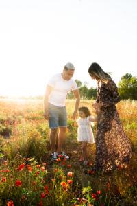photogaphe, famille, enfant, bébé, champs de coquelicot, var, la roquebrussanne, toulon, la garde, brignoles, rocbron, garéoult