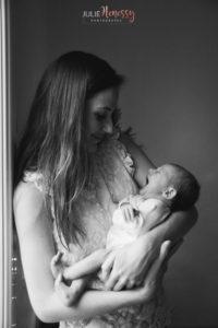 photographe, naissance, domicile, lifestyle, naturel, bébé, nourrisson, newborn, nouveau-né, famile, amour, la roquebrussanne, toulon, cuers,