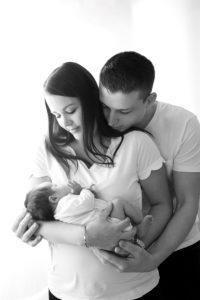 photographe, domicile, naissance, bébé, nourrisson, famille, 83, var, noir et blanc, tirage, album